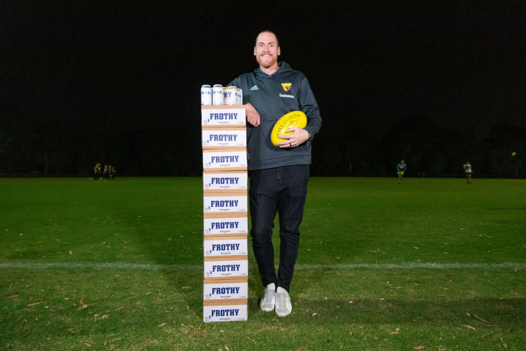 8,000 free slabs of beer to help grassroots footy clubs