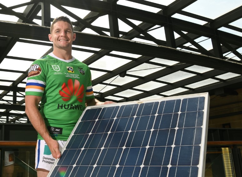 Victoria Bitter and the NRL go green for the NRL Telstra Premiership Grand Final, with the match to be 100% offset by solar electricity